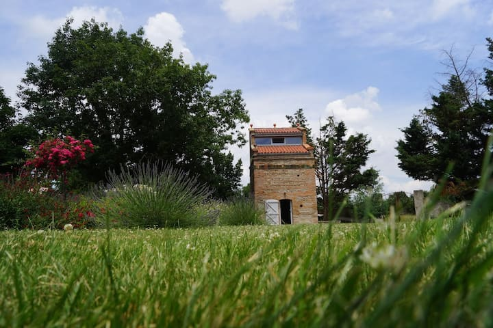 PIGEONNIER PRES DE TOULOUSE - Noé, Haute-Garonne - Outro