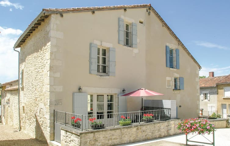 Semi-Detached with 2 bedrooms on 90m² in Monsec