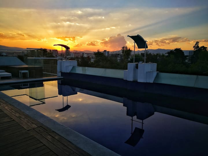 Amazing 5starRoofTop Pool, private Office&terrace!