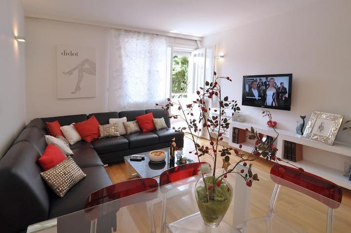 comfortable living room with sea view few steps from the beaches within 15 minutes walking distance from center of Split