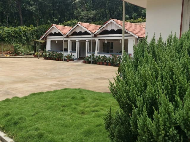 Serene Kottage- A stay amidst nature C