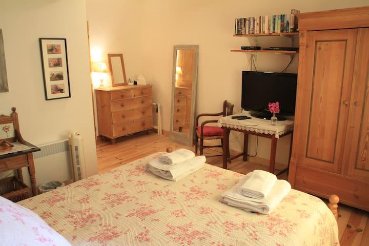 Mas St. Joseph - Chambre du Canigou - Ille-sur-Têt - Bed & Breakfast