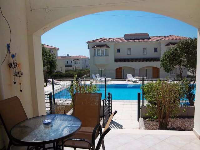 Comfortable Holiday villa by the pool, N.Cyprus - วิลล่า