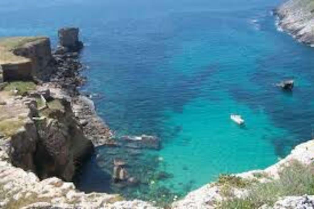 Marina Serra e il suo splendido mare, a due minuti dall'alloggio