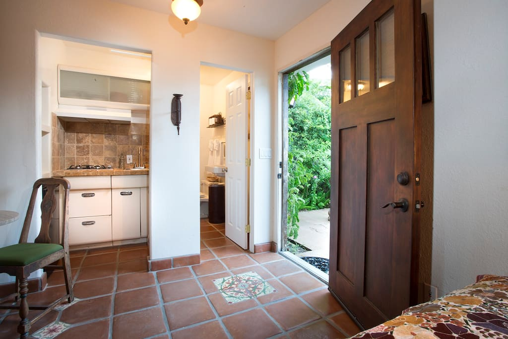 Cassa Bella is tucked away in our private rose garden with your own private entrance, bathroom, kitchen and twin bed.