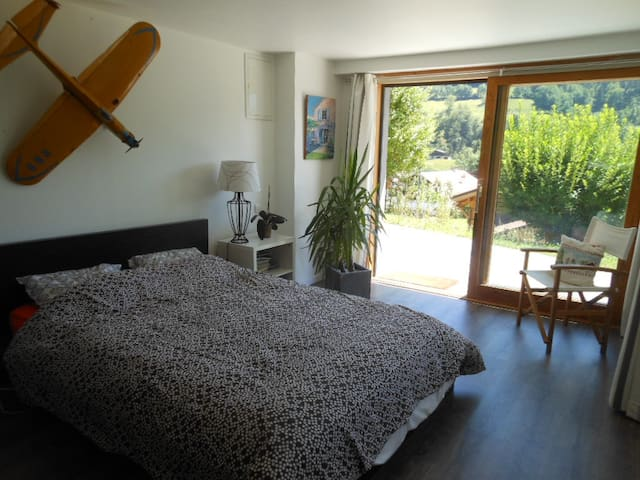 Chambre lumineuse à la montagne  - Thônes - ที่พักพร้อมอาหารเช้า