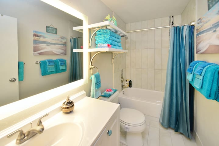 This fully remodeled condo has a beautiful, spacious bathroom!