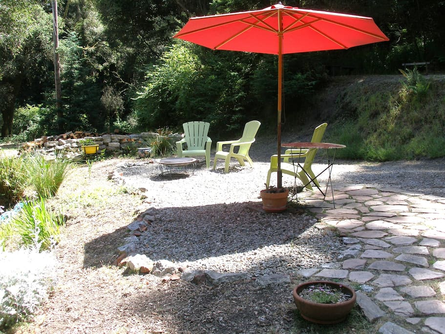 A place to enjoy a fire at night, read, visit , have a glass of wine