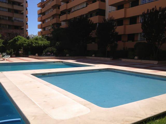 Full apartment Cascais near beach!