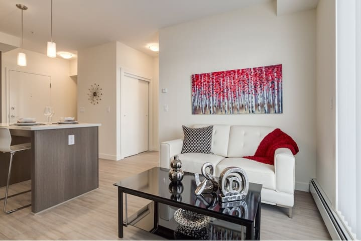 102 Contemporary near Midnapore & Spruce Meadows - Calgary - Apartment