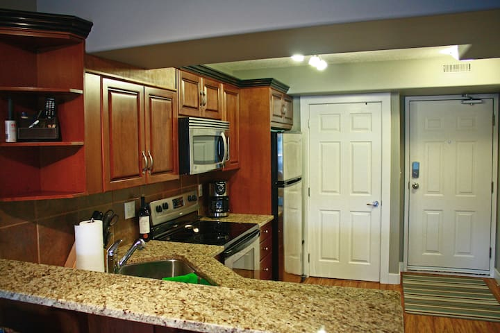 kitchen, stainless steel appliances, laundry