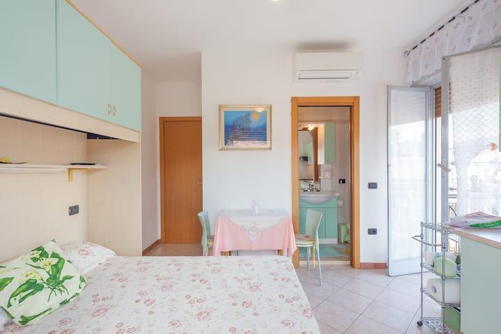Einzimmerwohnung mit privat Bad