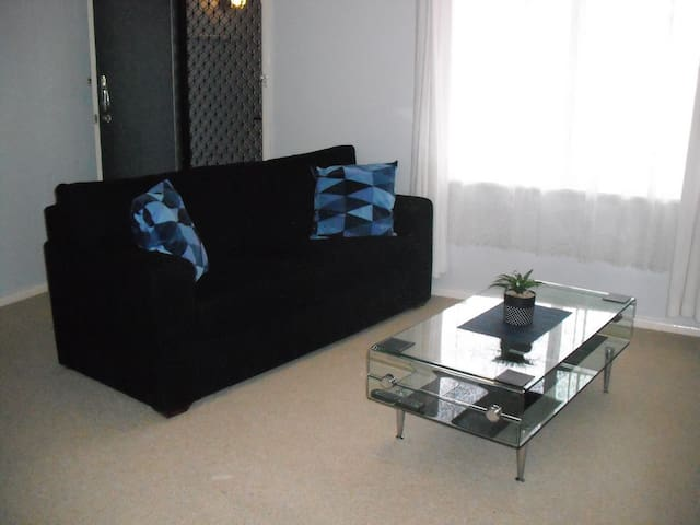 Your Home Away From Home... - South Tamworth - House