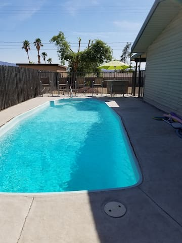 Location! Closest Pool home in the Heart of Havasu