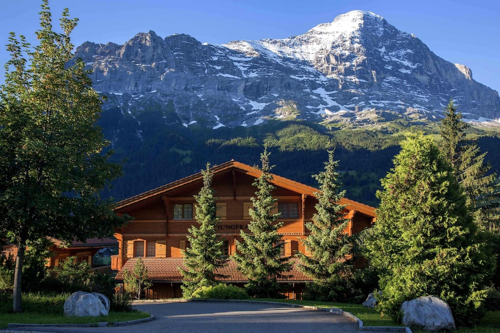 The Eiger is your Neighbour at Billabong