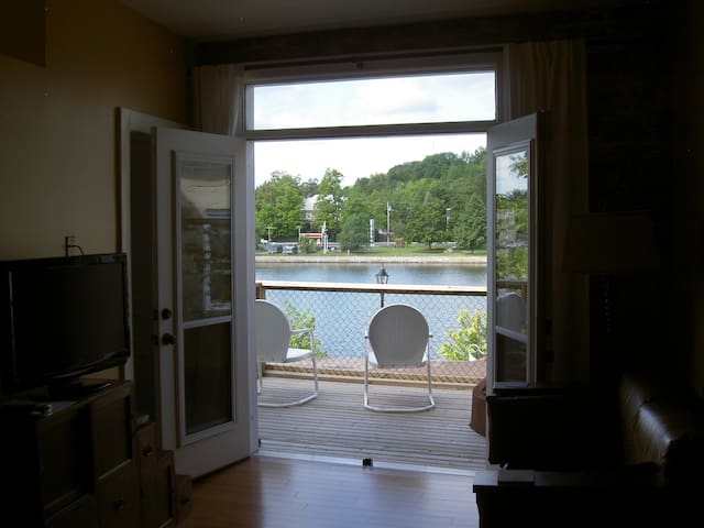Great apartment on the Trent River - Campbellford - Apartment
