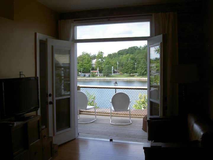 Great apartment on the Trent River