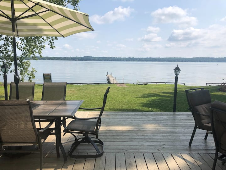 Level 2 Acre lot w/over 100 ft Private Lakefront