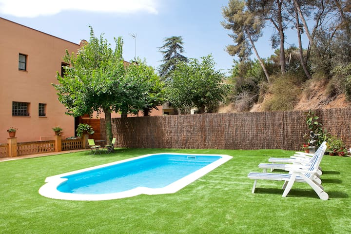NICE HOUSE CLOSE TO BCN WITH PRIVATE POOL - Vilassar de Dalt - Haus