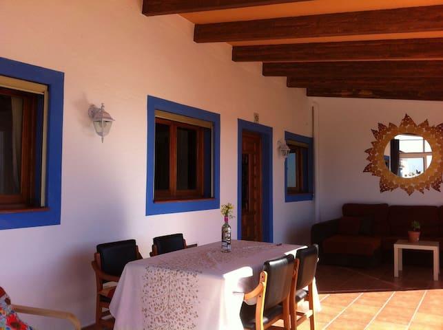 Casa de campo con piscina y WIFI - Ciutadella de Menorca - Haus
