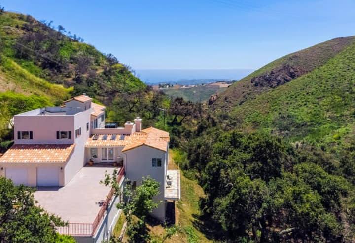 GOATHOTE | MANSION IN THE HILLS W/ A VIEW | MALIBU