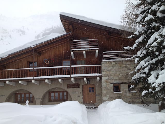 Apartment in large chalet - Val-d'Isère