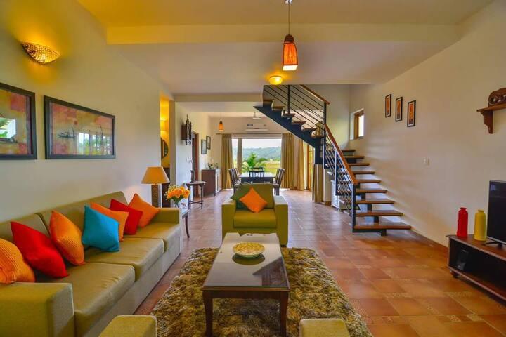 Ultra Luxury 4 bedroom classic Villa at North Goa