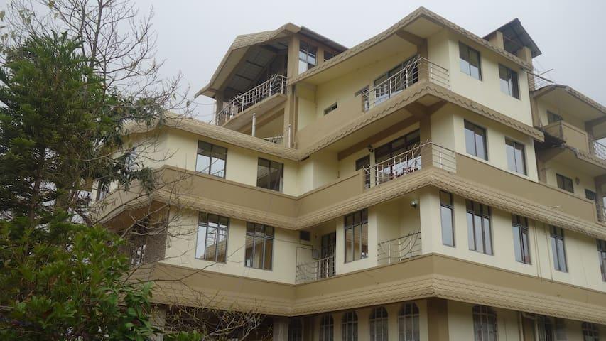 OurGuest Coniferous Hotel, Cherrapunjee
