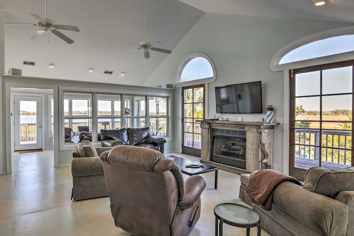 NEW! Waterfront 2BR Cottage on Live Oak Island!
