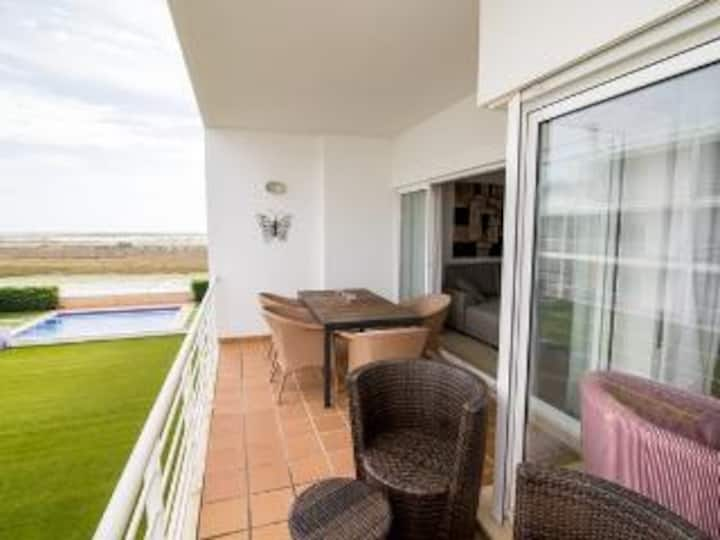 2 bed apartment with view over the Ria Formosa
