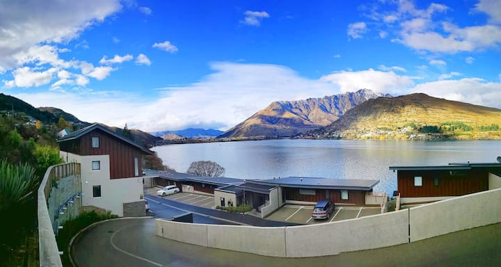 The Remarkables and lake Wakatipu home Queenstown