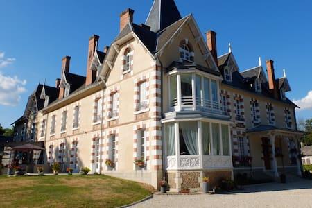 Un château en Sologne pour les fêtes - Neuvy-sur-Barangeon