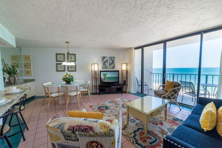 ~Let the Waves Hit Your Feet @ Shore Beats Work~Tower 2 @ Edgewater~New Listing~