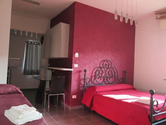 Rimini.MonolocaleC.200m MARE - Rimini - Hus