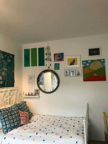 Cute room in shared student flat