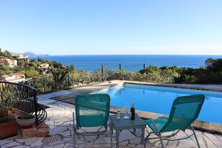 Vue mer exceptionnelle - piscine privée - 11 pers.