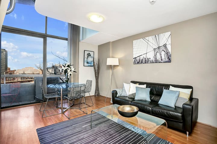 SX504 - Loftstyle One Bedroom in the Heart of CBD