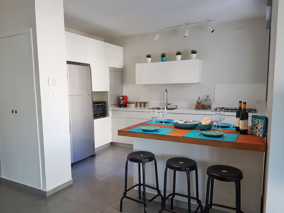 We offer a fully equipped kitchen. Feel free to cook your own style of food and waking up with our complimentary coffee of your choice.