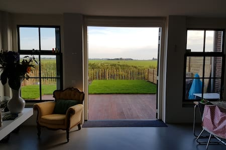 Rural newly build house 15 min to Amsterdam centre - Broek in Waterland