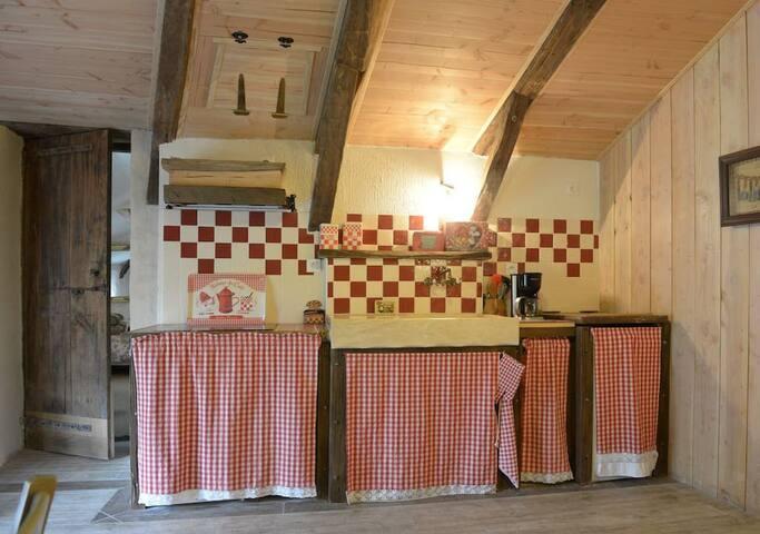 """Gîte """"nature"""" dans petit village d'Ardèche"""