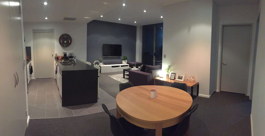 Summer getaway- prime location on Northern Beaches - Warriewood - Appartement