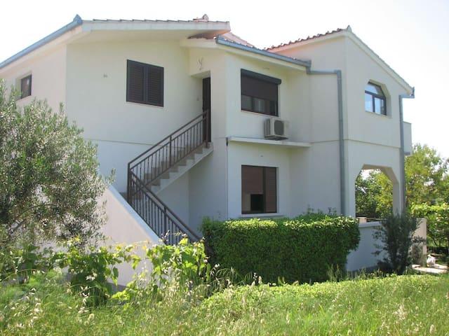 Villa Gordana - Kaštel Sućurac