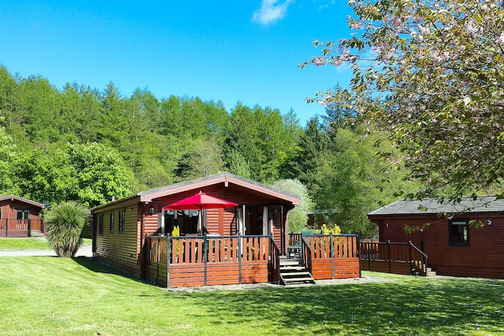 Sandwood Lodge, cosy log cabin on Loch Lomond