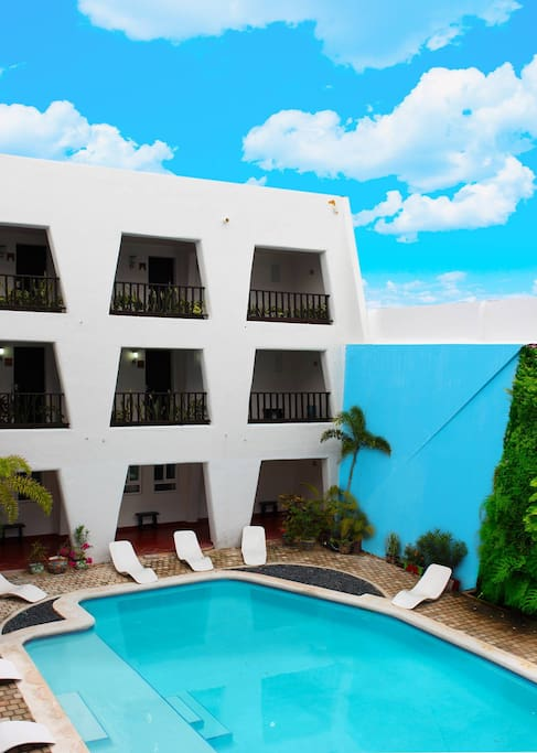 Lovely and renovated Hotel located in the heart of Isla Mujeres. Stay with us and live a wonderful experience.