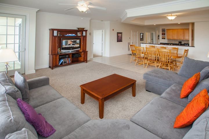 Dunes #116, Siesta By The Sea: Dunes #116 Warm & inviting 3 bedroom north facing unit on the first floor