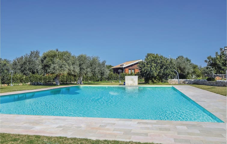 Holiday cottage with 2 bedrooms on 67m² in Ispica