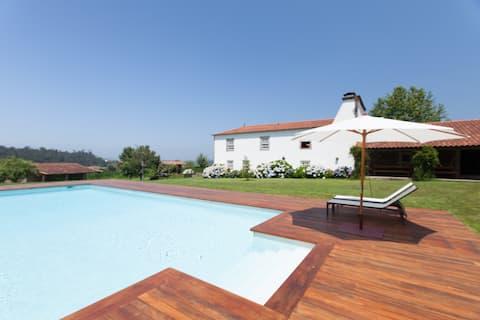 Dom na wsi z basenem