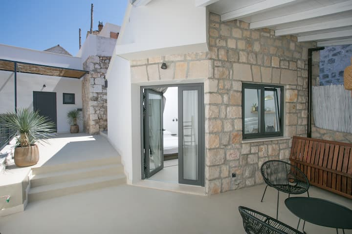 Boutique Studio (25 m2) with huge private terrace