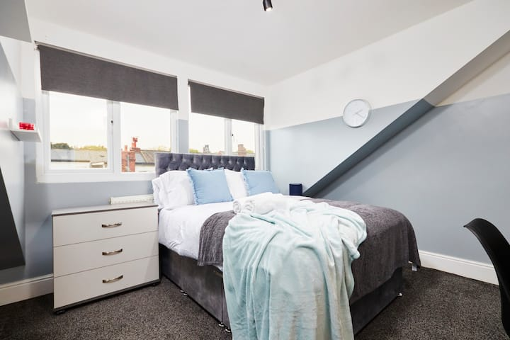 Rm3 - Amazing Room in A Great Location