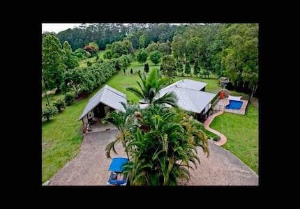 Rainforest retreat Resort Living